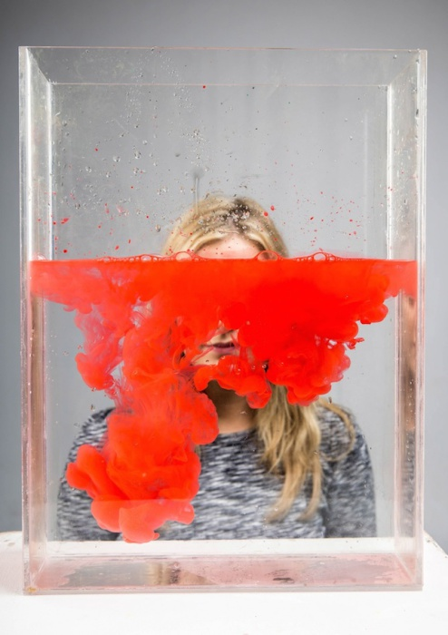 Эксперименты с водой и цветными чернилами от Элли Полстон (Ellie Polston).