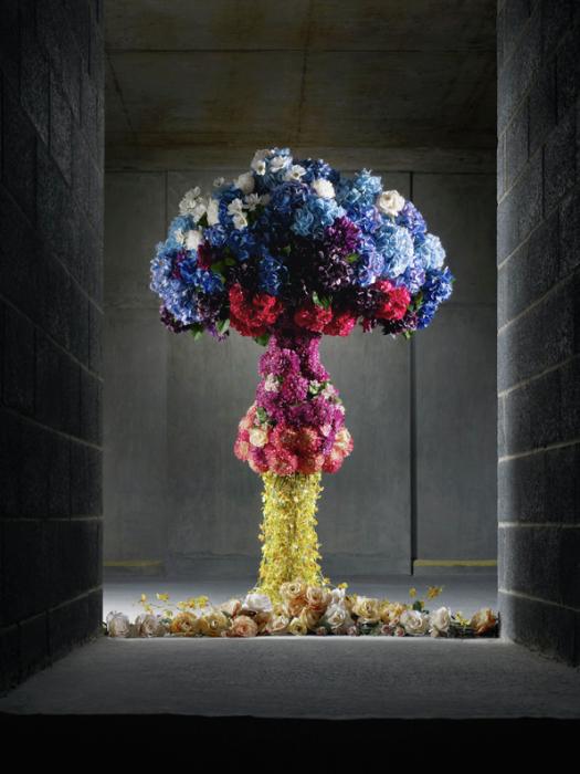 Арт-инсталляции на тему ядерного взрыва от Anna Burns и Michael Bodiam.