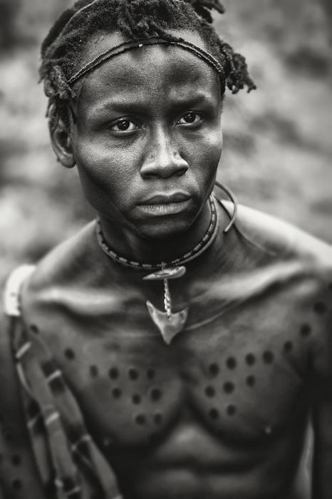 Фотоснимки жителей племени из Кении от Ли Хауэлл (Lee Howell).