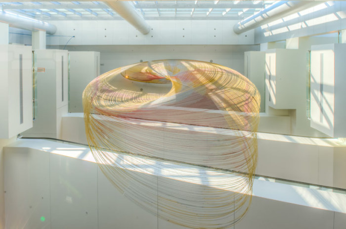 Euphony - масштабная инсталляция от Бенджамина Болла.