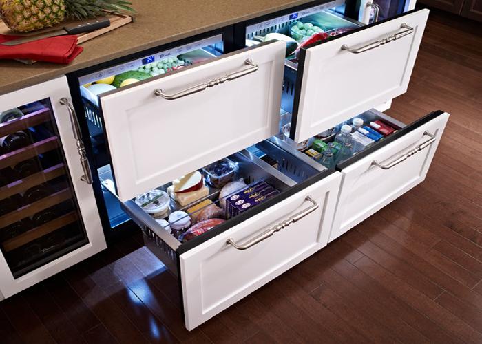 Мини-холодильник в виде удобных выдвижных ящиков.