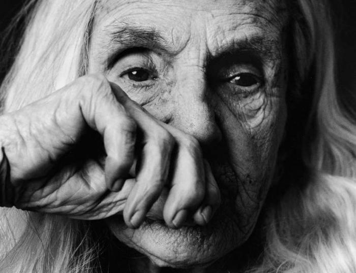 Невероятно эмоциональные черно-белые портреты людей, больных Альцгеймером.