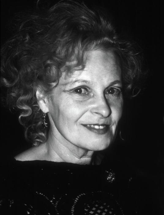 Черно-белый портрет Вивьен Вествуд (Vivienne Westwood).