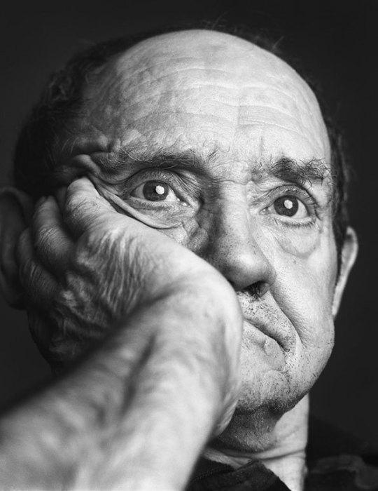 Фото-проект Alex Ten Napel: люди, страдающие болезнью Альцгеймера.