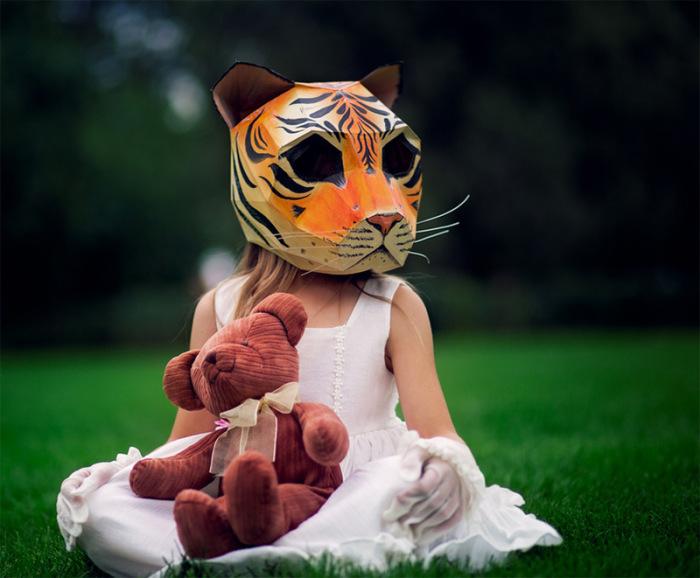 Бумажная маска тигра от Steve Wintercroft.