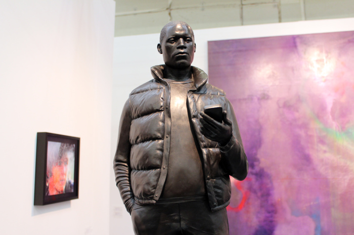 Скульптура жителя Лондона от Тома Прайса (Tom Price).
