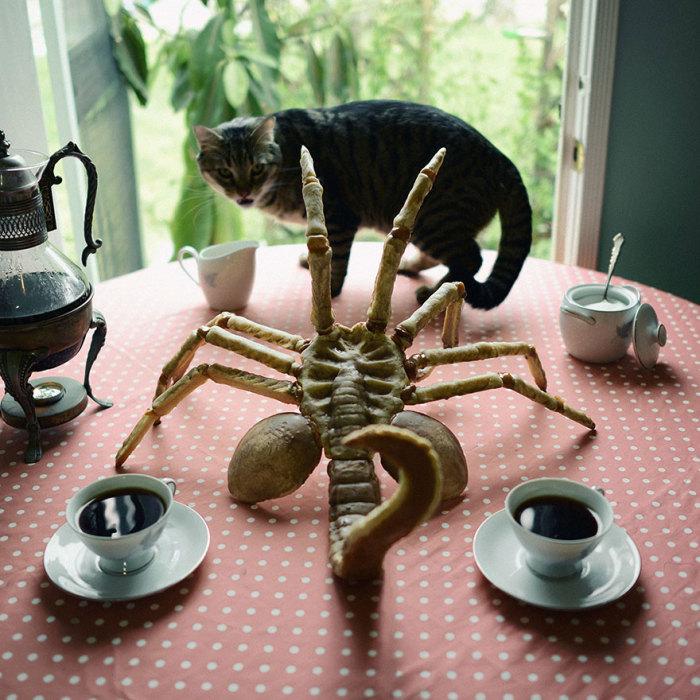 Сладкая выпечка в виде огромного скорпиона от Кристин Макконнелл (Christine McConnell).