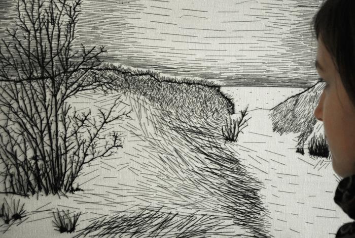 Пейзаж из черных штрихов от Nastasja Duthois.