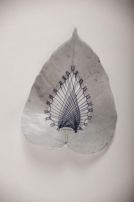 Декоративные изделия из сухих листьев от Хилари Фэйл (Hillary Fayle).