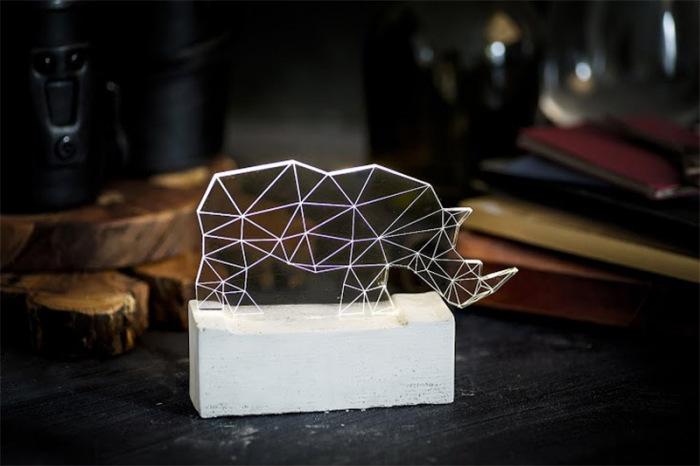 Дизайнерские лампы в форме геометрических фигурок животных.