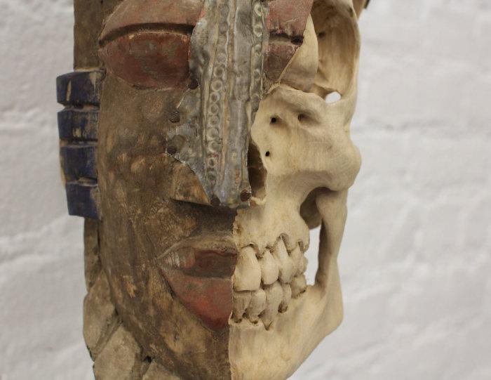 Южноамериканский шаманский бюст, отреставрированный Maskull Lasserre.