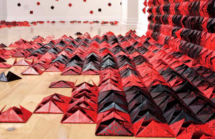 Необычная бумажная инсталляция от Andrée-Anne Dupuis-Bourret.