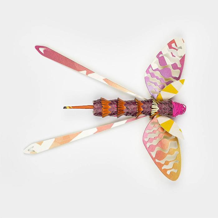 Серия бумажных насекомых от рекламного агентства Soon.