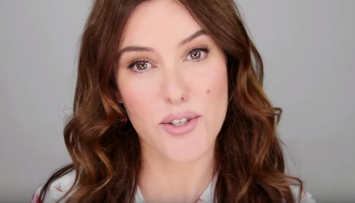 Естественный макияж популярен в начале 21 века.