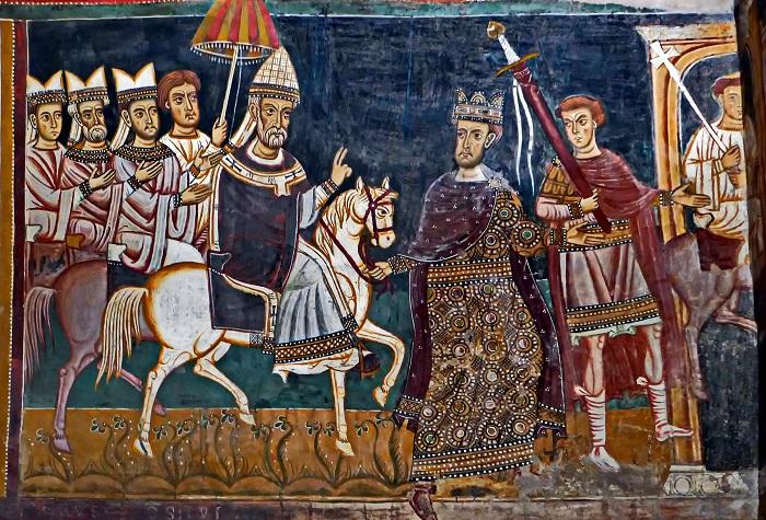 Константин I ведёт под уздцы коня, на котором восседает папа Сильвестр I. Фреска капеллы Сан-Сильвестро, до 1247 года.   Фото: ru.wikipedia.org.
