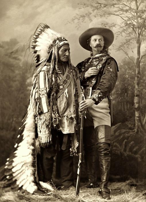 Открытка с изображением Буффало Билла и индейца. | Фото: 2.bp.blogspot.com.