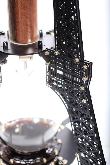 Готический дизайн кофеварки.