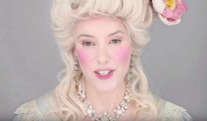 Бледный макияж дам 18 века.