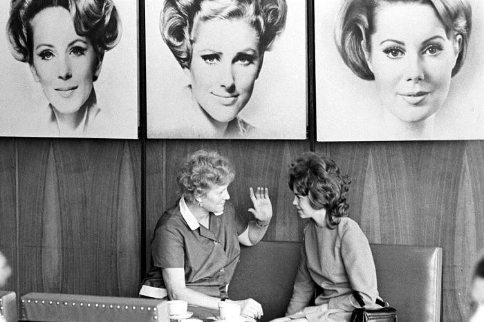 В одни те же парикмахерские ходили стричься целыми семьями, а то и поколениями.