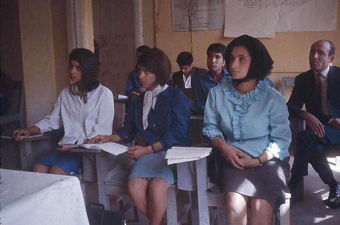 Студентки Высшего педагогического колледжа в Кабуле.