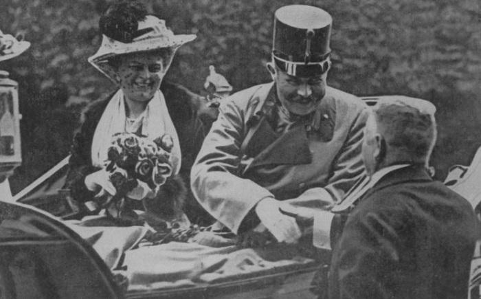 Роковой снимок австрийского эрцгерцога Франца Фердинанда перед гибелью. | Фото: timedotcom.files.wordpress.com.