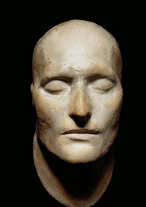 Посмертная маска Наполеона (1821). | Фото: storyfiles.blogspot.com.