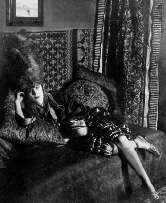 Луиза Казати - аристократка, эпатировавшая публику в начале ХХ века. | Фото: cs8.pikabu.ru.