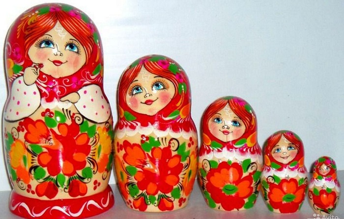 Матрешка - настоящий русский символ.