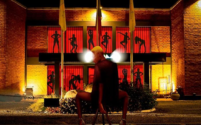 Воссозданная сцена «Тюремное танго» из мюзикла «Чикаго».