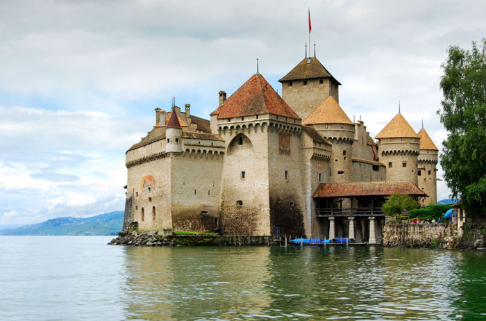 Chateau De Chillon - замок на Женевском озере.