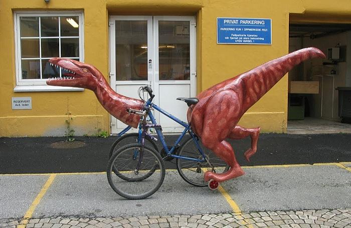 Оригинальный трехколесный велосипед.