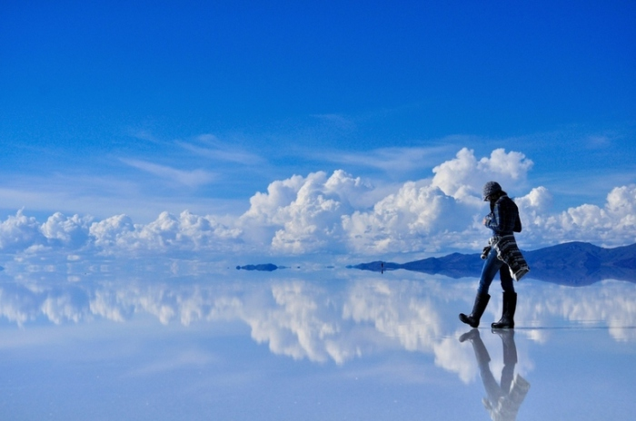 «Лунная долина» - гигантский высохший солончак в Боливии.