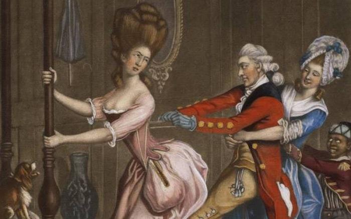 В Средневековье грудь поддерживалась при помощи корсетов.