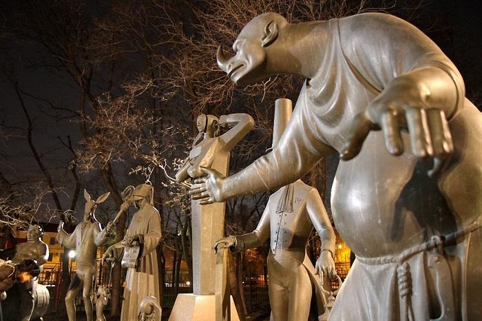 Скульптура Михаила Шемякина.