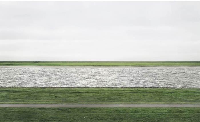 Фотография Андреаса Гурски «Rhein II» стоимостью $ 4,3 млн.