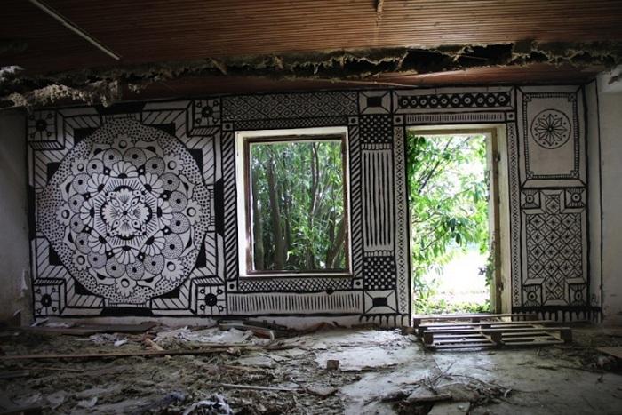 Мандалы на стенах заброшенных домов.