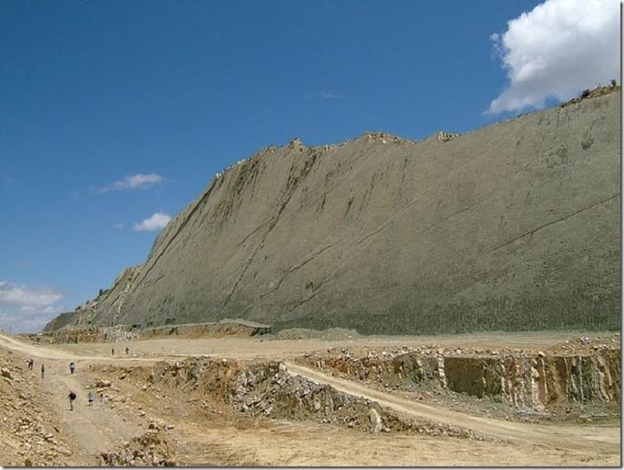 Cal Orck'o - археологический объект с самым большим количеством следов динозавров в мире.| Фото: lifeglobe.net.