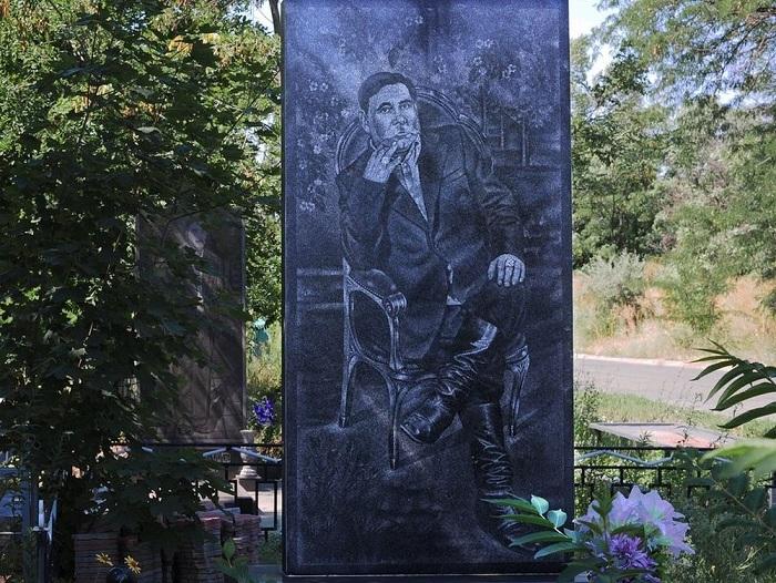 Крутые памятники фото краснодар на кладбище меткино домодедовский район