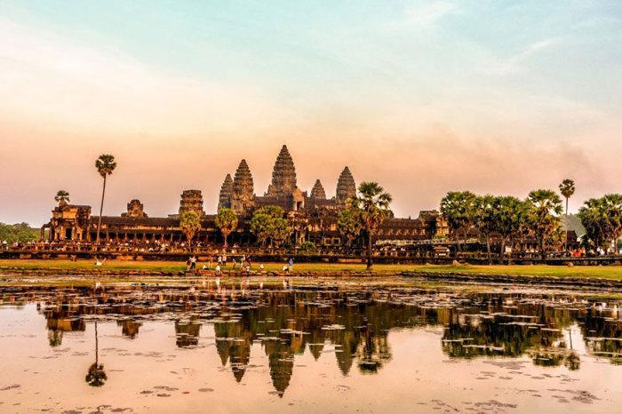 Angkor Wat - огромный индуистский храмовый комплекс в Камбодже.