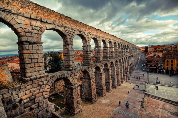 Римский акведук. | Фото: artmiem.ru.