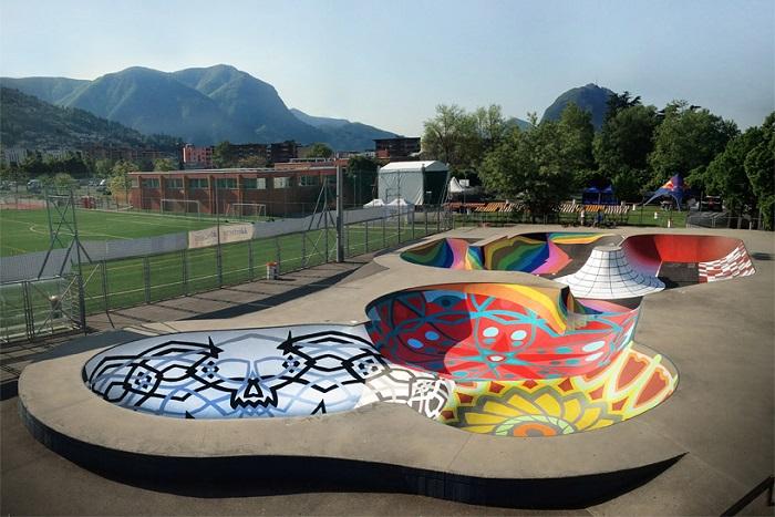 Яркая площадка, расположенная в скейт-парке швейцарского города.