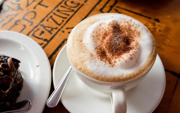 Капучино - кофе с молоком и пенкой.