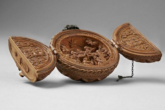 Молитвенный «орех» диаметров не более 5 см.