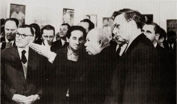Никита Хрущев на выставке авангардистов в Москве, 1962 год. | Фото: img-fotki.yandex.ru/