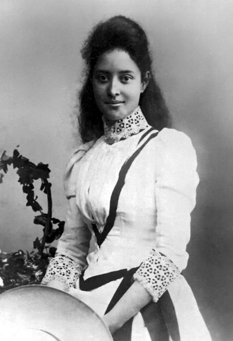 Принцесса Каюлани в 17 лет. | Фото: fiveminutehistory.com.