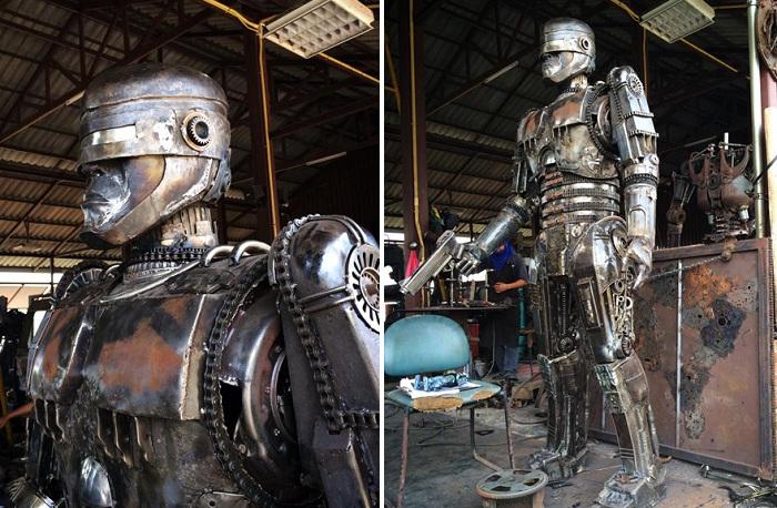 Робокоп, сделанный из металлолома.