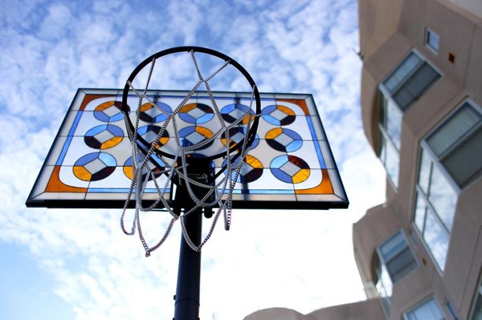 «Literally Balling» - гламурный баскетбольный щит.