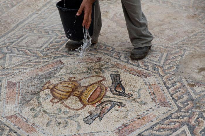 Мозаика, датированная 300 годом н. э.