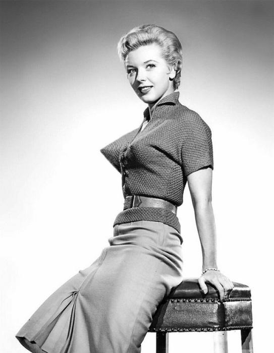 Модный образ 1940-50-х годов. | Фото: vintag.es.