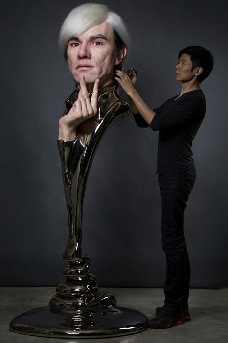 Скульптура Энди Уорхола (Andy Warhol).